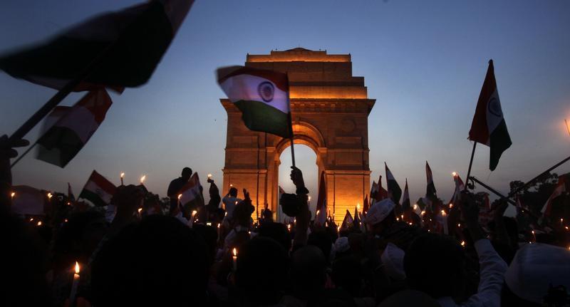 Intia – tyhjä demokratia?