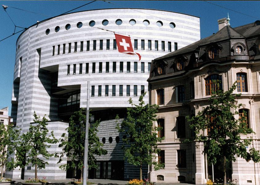 BIS:n Botta-rakennus Baselissa, Sveitsissä. Kuva: BIS