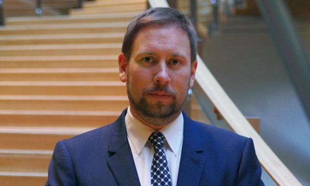 Arhinmäki: Ukrainan kriisi ei uhkaa Suomea