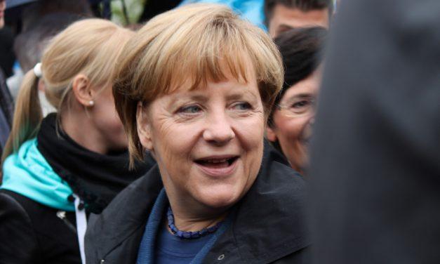 Kohti kansainvälistä vastuunkantoa? Merkel muuttamassa Saksan suuntaa