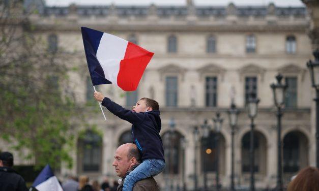 Kommentti: Macron torjuntavoittoon Ranskan presidentinvaaleissa