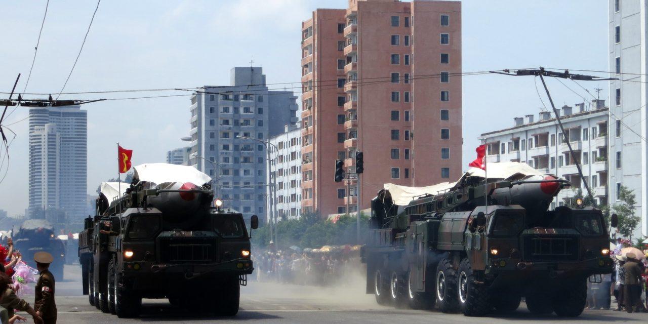 """""""…ja opimme jälleen pelkäämään pommia"""" – Pohjois-Korean ydinaseohjelma kehittyy jättiharppauksin"""