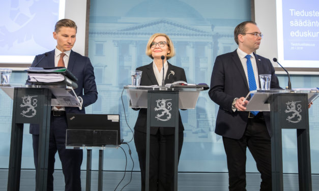 """""""Suomalaisen tiedustelun taso on kovin alhainen"""" – Lainsäädäntö ja nykytilan historiallinen tausta"""
