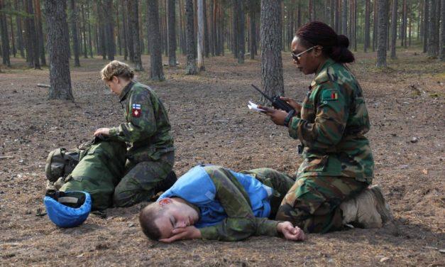 Suomen on panostettava naisia osallistavaan puolustusjärjestelmään