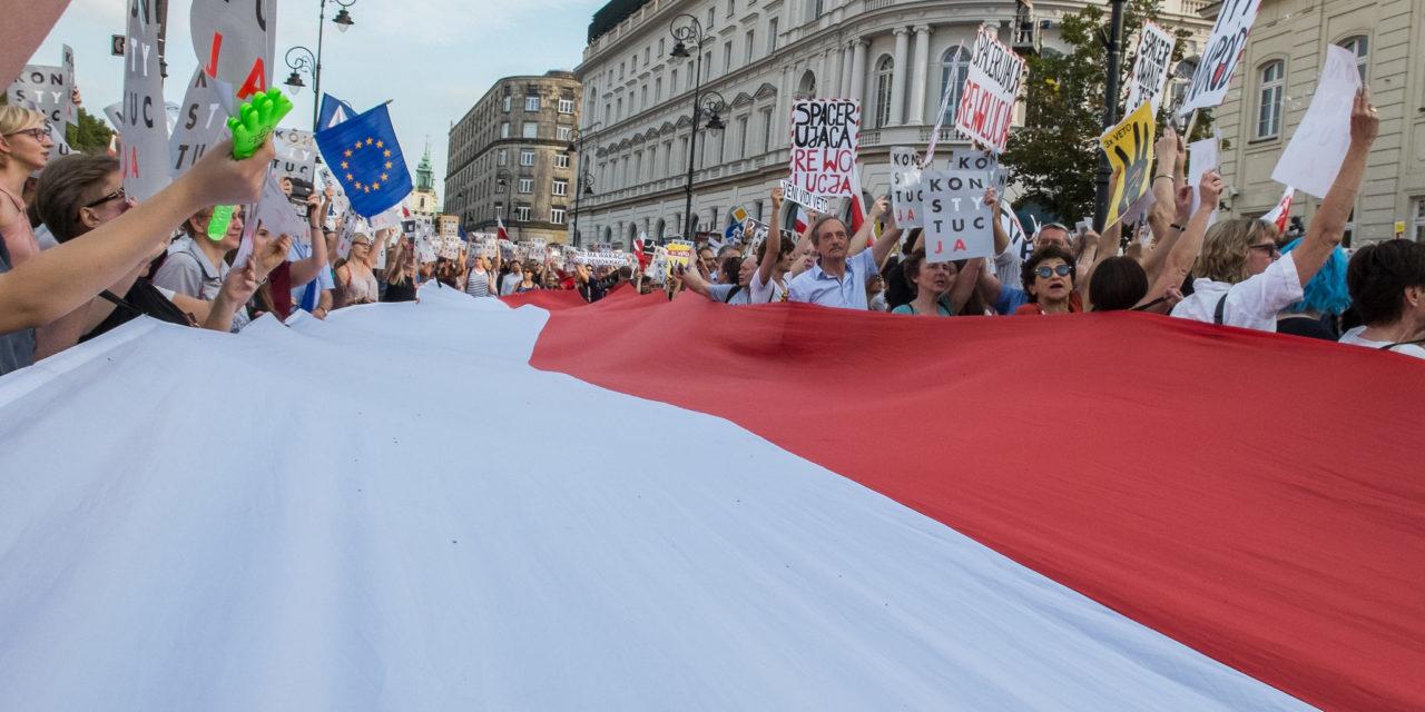 Puolan parlamenttivaalien voitto menossa taas nationalisteille