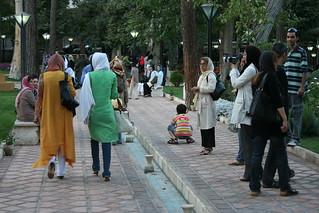 Trans-Iran: Islamilaisen maan liberaali käytäntö