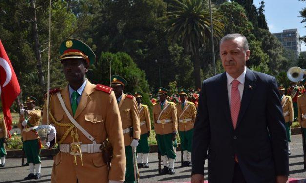 Moskeijadiplomatiaa ja kauppaa – Turkki hakee vaikutusvaltaa Afrikassa pehmein ja kovin keinoin