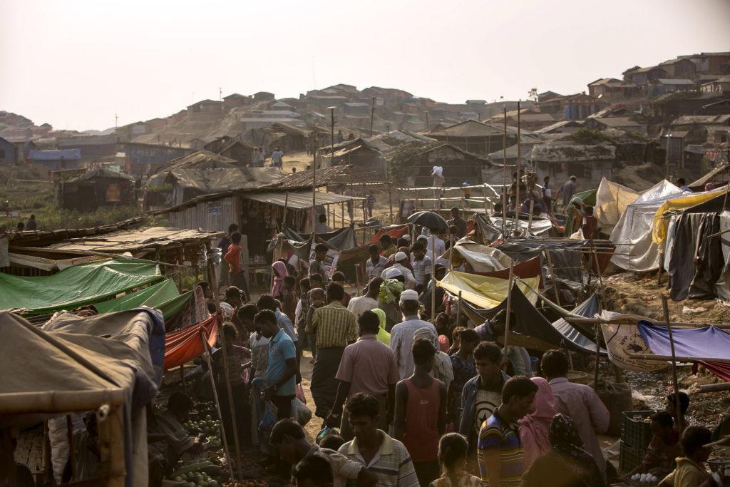 Rohingoja pakolaisleirillä Bangladeshissa.