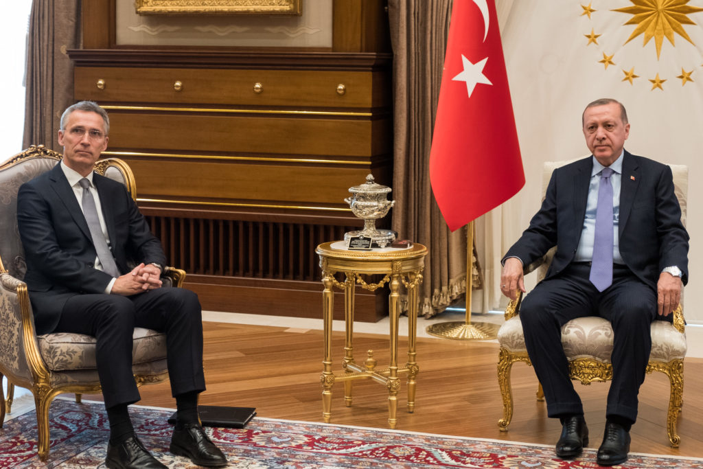 Naton pääsihteeri Jens Stoltenberg ja Turkin presidentti Recep Tayyip Erdogan.