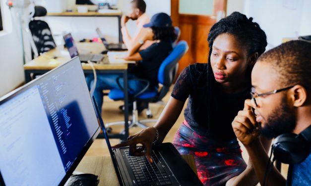 Piilaakso havittelee siivua Afrikan vauhdilla kasvavista teknologiamarkkinoista – rinnalla kilpailevat kiinalaisyritykset ja paikallisratkaisut