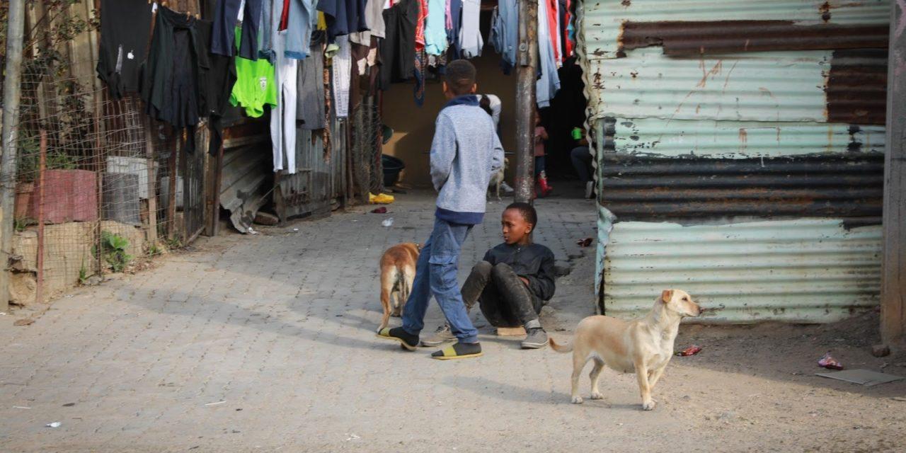 Kun köyhyydestä rangaistaan – eteläisen Afrikan maiden tiukat koronatoimet paljastivat järjestelmien syvät epäoikeudenmukaisuudet